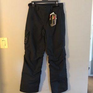 Under Armour boys black snowboard/ski pants NWT